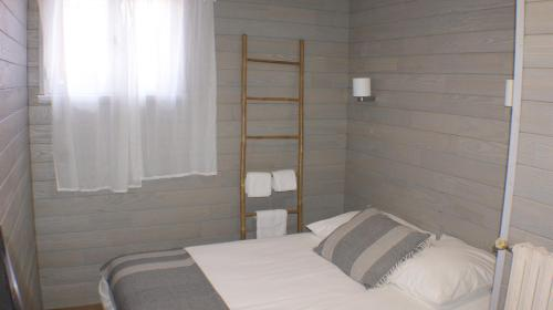 Comfort Double Room with Shared Toilet