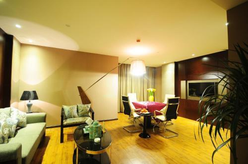 Wei Shang Hotel, Liangshan Yi