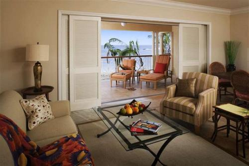 Two Bedroom Butler Beachfront Villa Suite