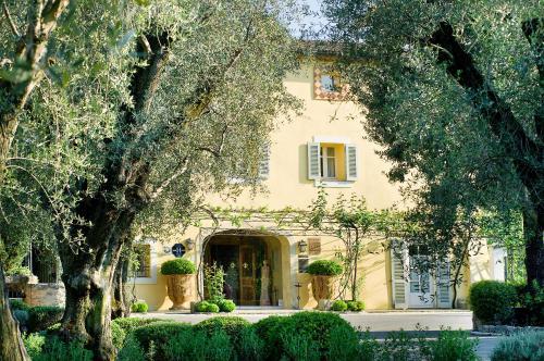 48 Avenue Henri Dunant, 06130 Grasse, France.
