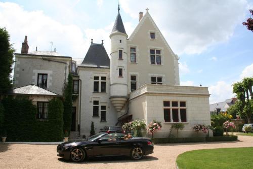 Mail Saint-Thomas, 37400 Amboise, France.