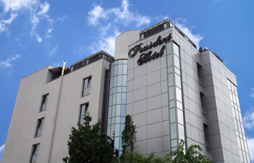 . President Hotel
