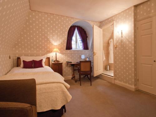 St. Michael's Manor Hotel, Fishpool Street, Saint Albans AL3 4RY, England.