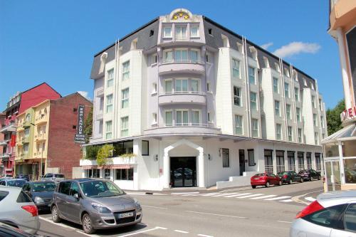 Hôtel Esplanade Eden - Hôtel - Lourdes