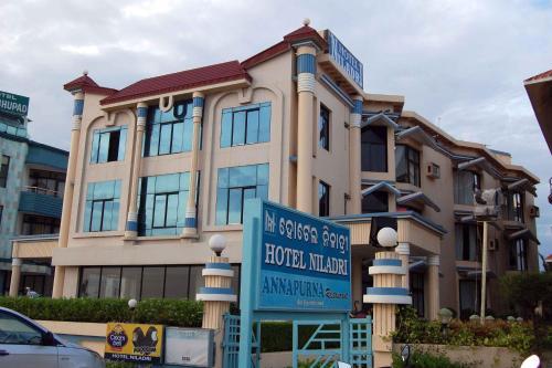 . Hotel Niladri