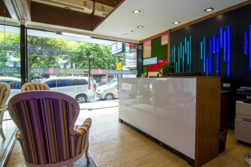 Eleven Avenue Suites Bangkok photo 9