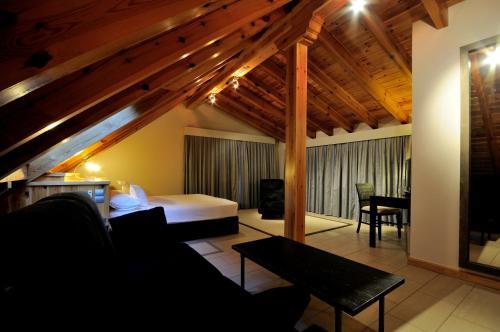 Suite Hotel Rural Las Rozuelas 16