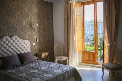 Habitación Doble con vistas panorámicas Hostal Central Palace Madrid 18