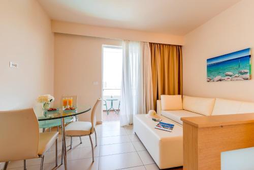 Afandou Bay Resort Suites kamer foto 's