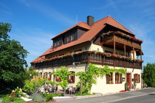 . Gasthof zum Rödelseer Schwan