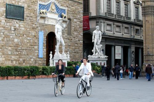 Vicolo Dell'Oro 6R, Florence, 50123, Italy.