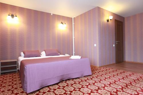 Troya Hotel, Taranovskiy