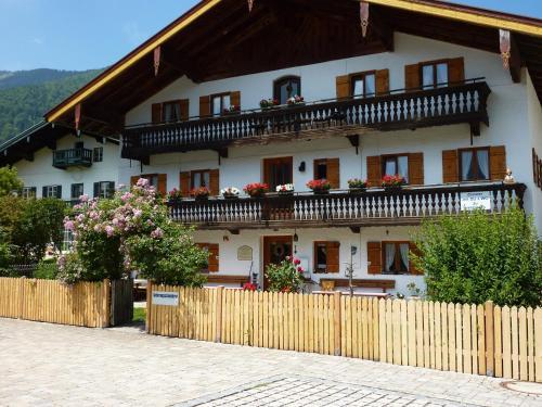 Landpension im Alten Knoglerhof - Apartment - Schleching