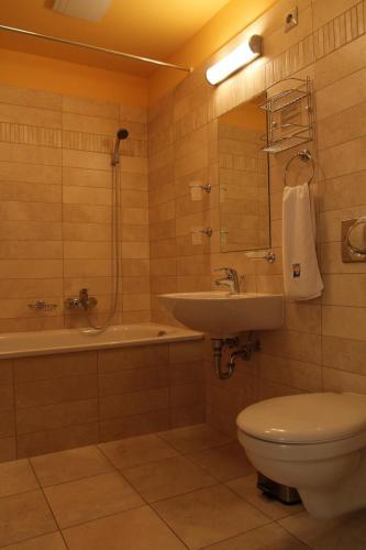 Hotel Szent Janos, Mohácsi