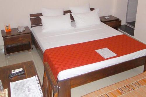 . Hotel H1