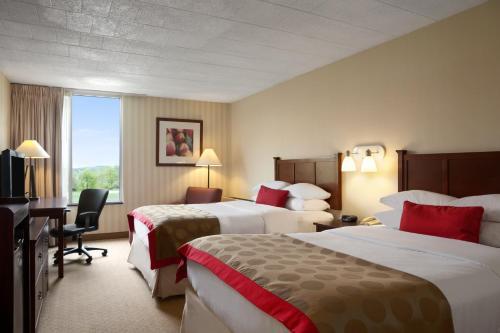Ramada Hotel & Conference Center By Wyndham Greensburg - Greensburg, PA 15601