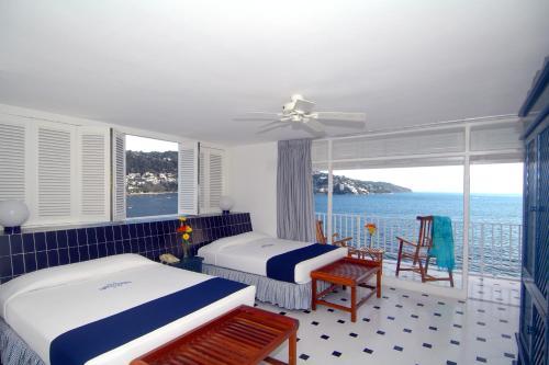 Elcano, Acapulco