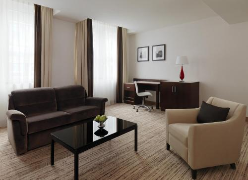 Executive King Suite with Executive Lounge Access