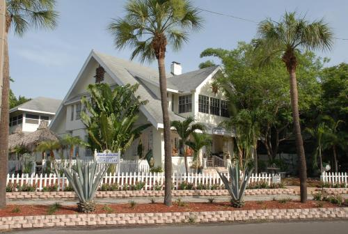 Beach Drive Inn Bed & Breakfast - St Petersburg, FL 33701