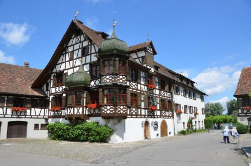Drachenburg & Waaghaus, Pension in Gottlieben