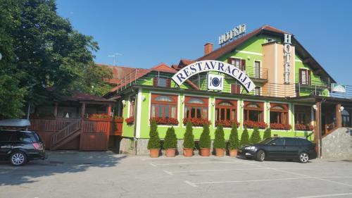 . Hotel Roškar