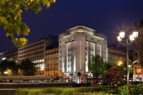 Hôtel Paris Neuilly - Hôtel - Neuilly-sur-Seine