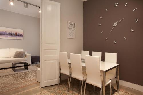 Enjoy Apartments Borrell photo 4