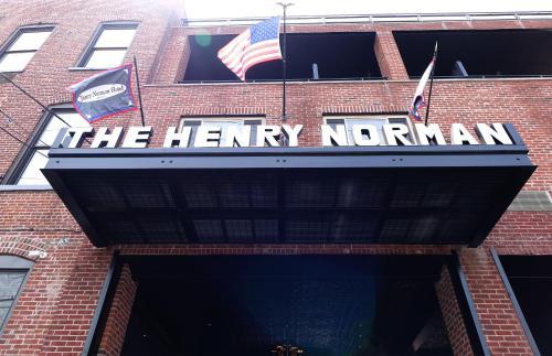 239 N Henry St, Brooklyn, NY 11222, United States.
