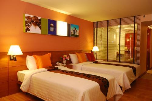 Nouvo City Hotel photo 10