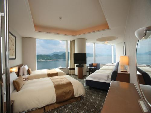 Standard Family Room (3 people) with Miyajima speed boat ticket (one-way)