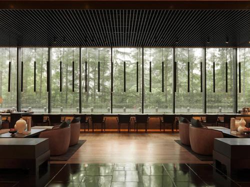 1 Changde Road, Shanghai, 200040, China.