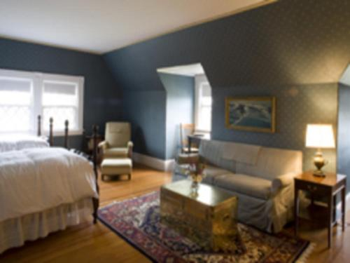 The Manor Inn - Castine, ME 04421