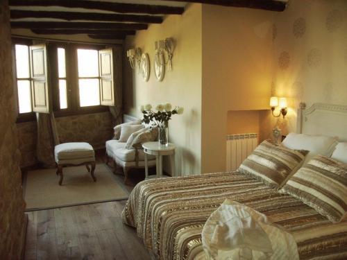 Suite Hotel Real Posada De Liena 19