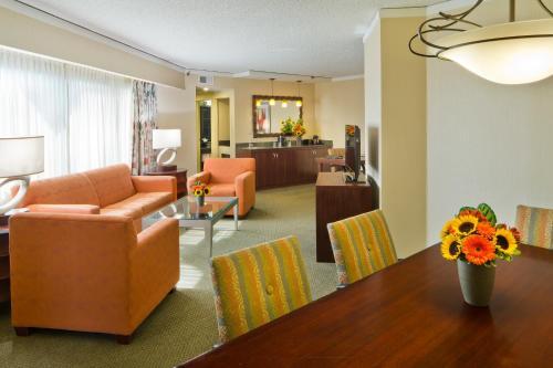 Embassy Suites Secaucus - Meadowlands - Secaucus, NJ NJ 07094