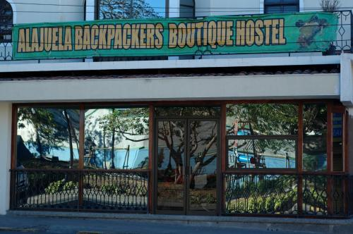 Alajuela Backpackers Airport Hostel