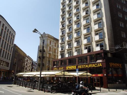 Фото отеля bed4city Szpitalna Street-Adults Only