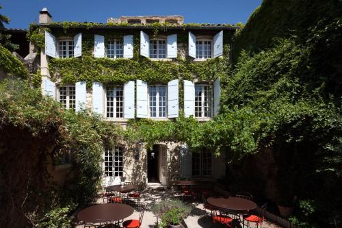 5 Rue de la Foire, 30400 Villeneuve-lès-Avignon, France.