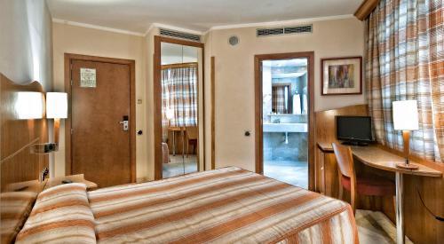 Hotel Aristol - Sagrada Familia photo 5