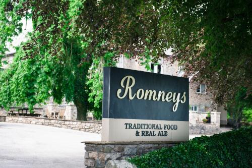 Romneys Apartments & Suites picture 1 of 30