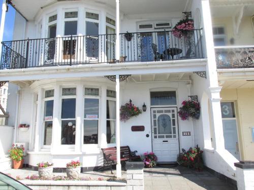 Tregella Guest House, Porth, Cornwall