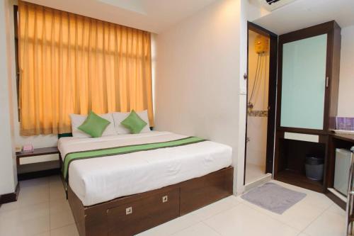 The Cozi Inn Hotel, Bangkok photo 13