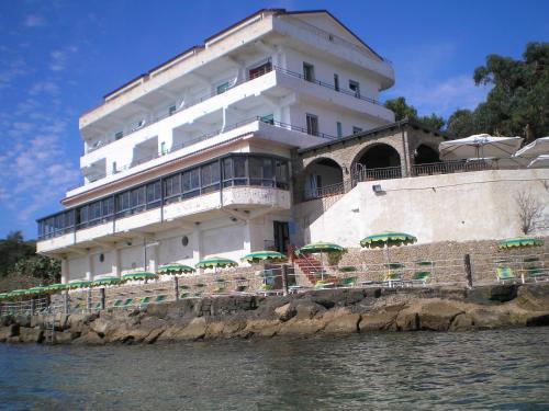 . Hotel Sirena