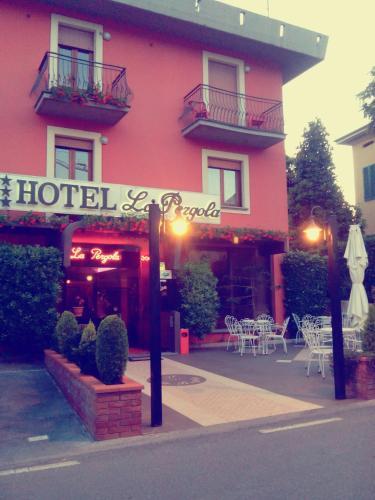 __{offers.Best_flights}__ Hotel La Pergola