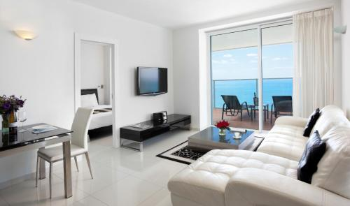 Executive Suite met Balkon en Uitzicht op Zee (Executive Suite with Balcony and Sea View)