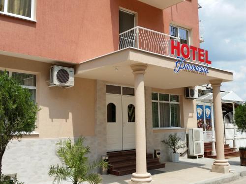 . Hotel Fantasy