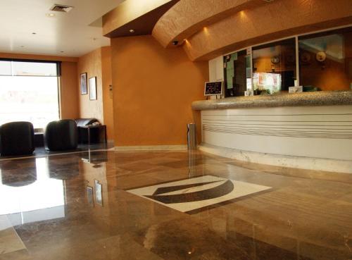 Porto Novo Hotel And Suites