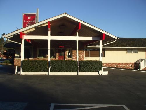 Фото отеля Brookings Inn Resort