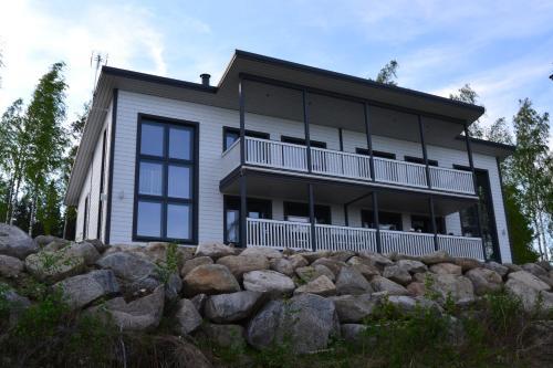Riihilintu Villa