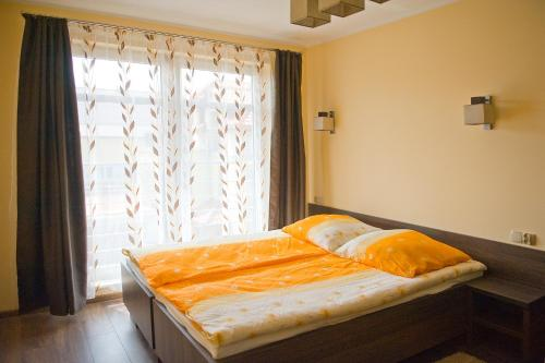 Cameră dublă cu baie privată (Double Room with Private Bathroom 1)