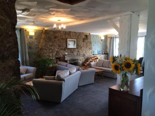 Ty Dderw Country Inn - Photo 7 of 49